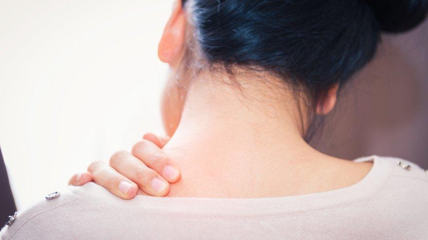 kuidas eemaldada kaela ja olarasva